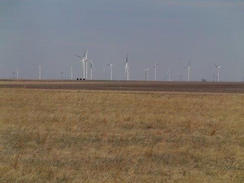 Kansas teen dies in farming accident, authorities say