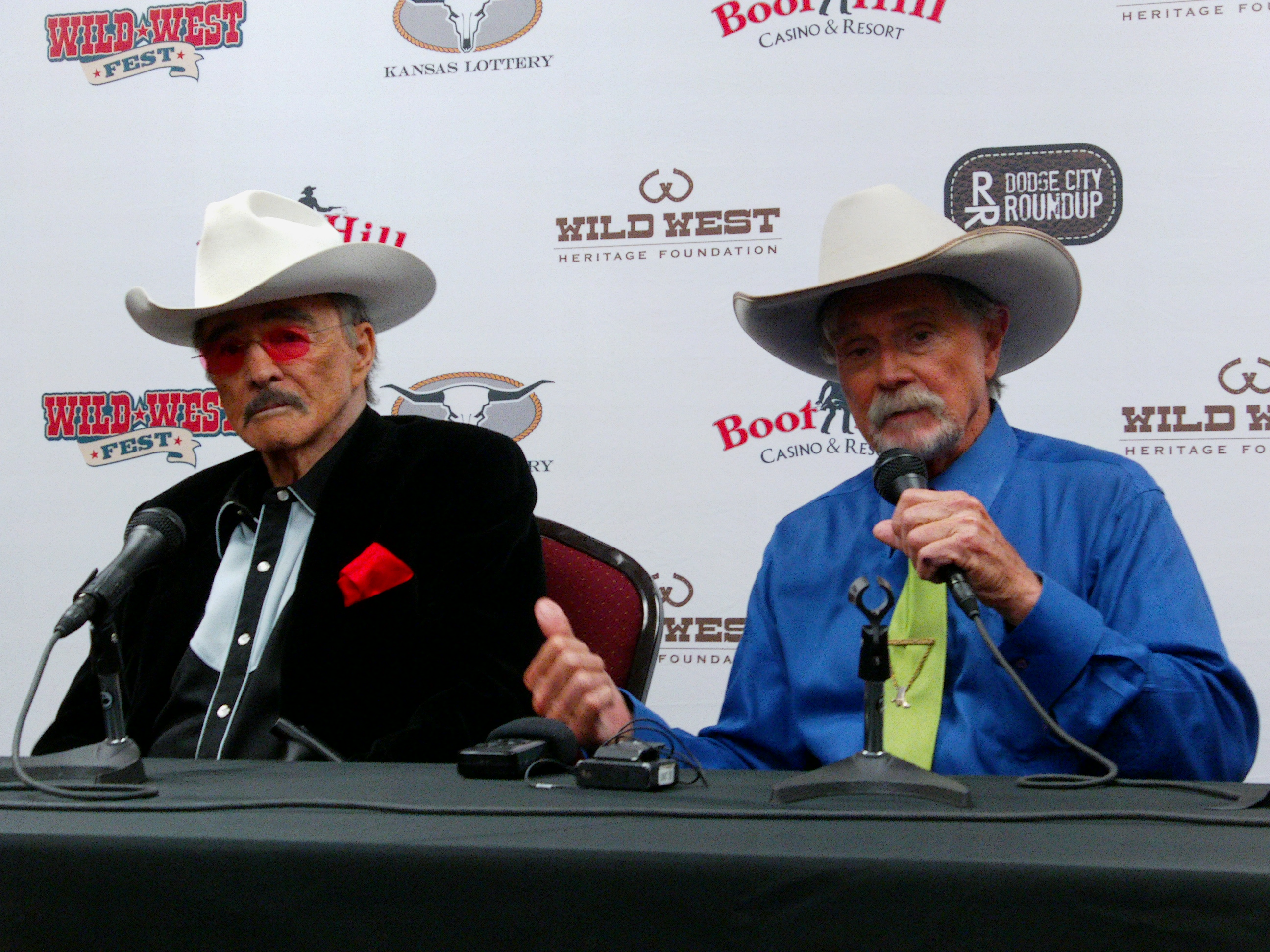 Gunsmoke 60th Anniversary Connects Actors With Their Fans